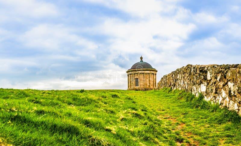 Mussenden-Tempel, Küstenlinie Nordirlands, Atlantik lizenzfreie stockbilder