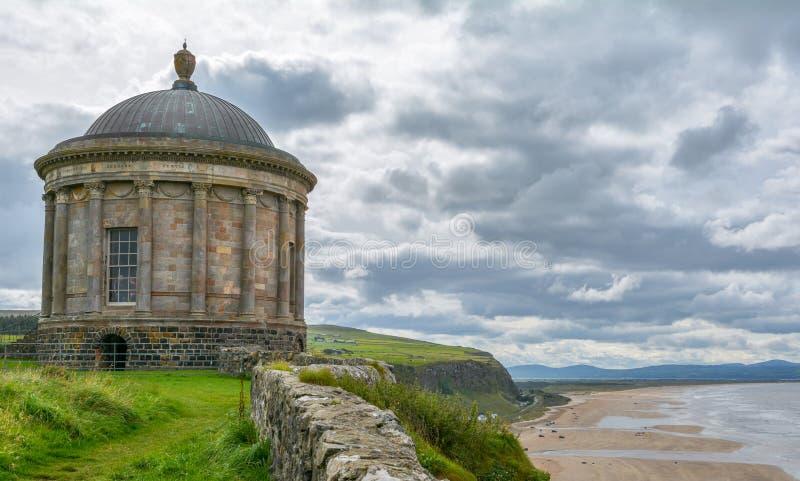 Mussenden-Tempel, Londonderry, Nordirland lizenzfreie stockbilder
