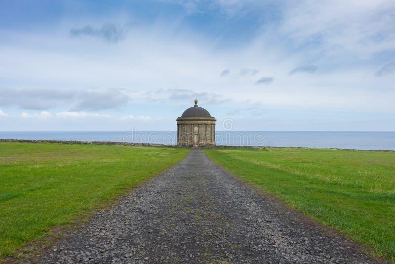 Mussenden-Tempel, Nordirland stockbilder