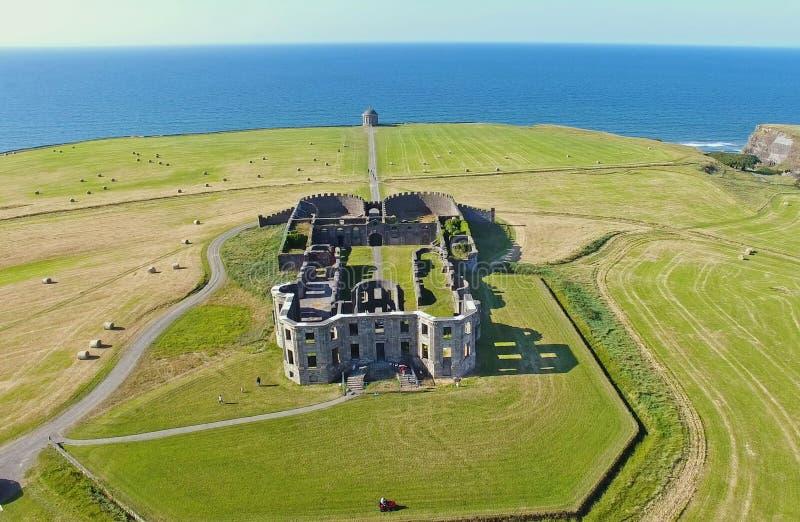 Mussenden-Tempel und absch?ssiger Demesne Coleraine Co Derry Northern Ireland stockfoto