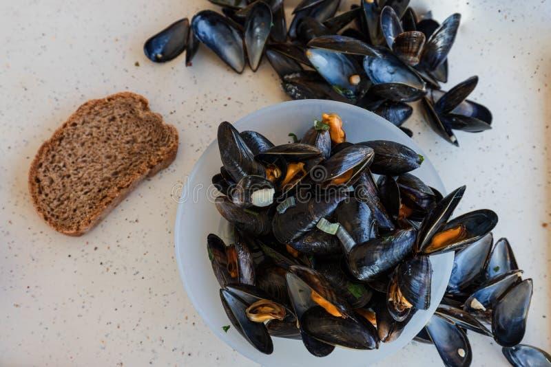 Musslor i Frankrike typisk mat royaltyfria foton