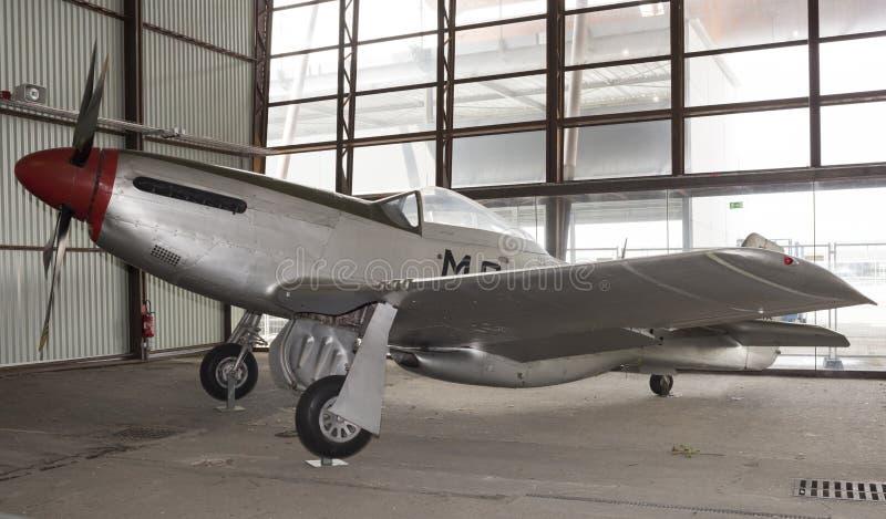 Mustang américain 1940 d'Orth P-51D dans le musée de l'astronautique image stock