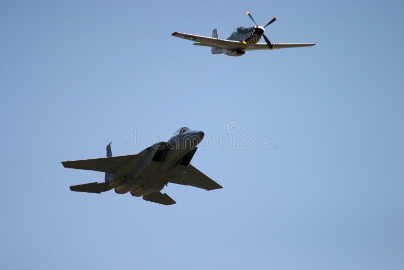 Mustang et Grumman F-14 Tomcat de P51D image libre de droits