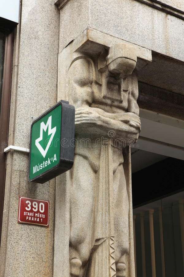 Mustek-U-Bahnhof unterzeichnen herein Prag lizenzfreie stockbilder