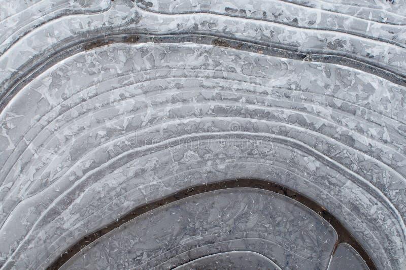 Muster auf dem ersten dünnen Eis stockbilder