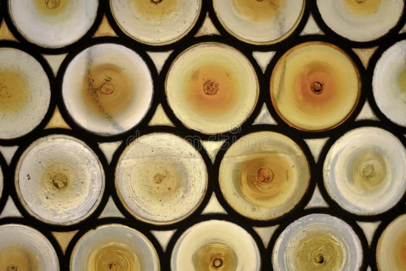Muster des Buntglases mit gelbem Glas lizenzfreies stockfoto