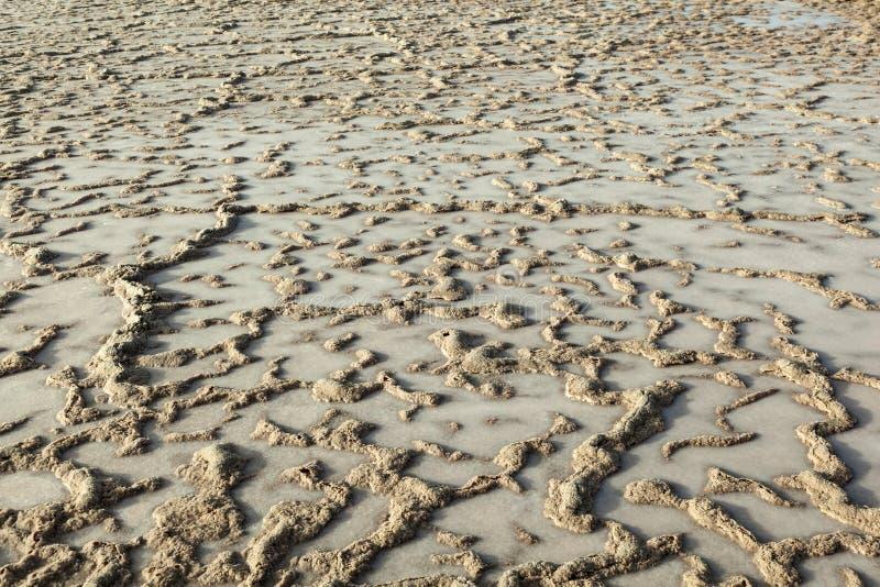 Muster des Feldes in der Salzraffinerie, salzig von Janubio lizenzfreies stockfoto
