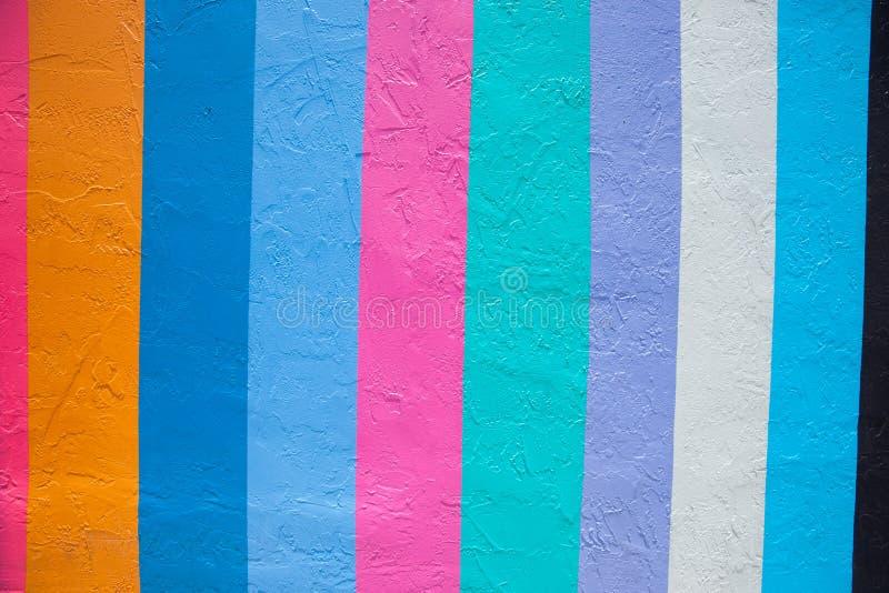 Muster geschaffen von den mehrfarbigen vertikalen Streifen lizenzfreies stockfoto