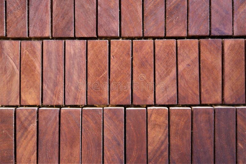 Muster von Holzbalken mit einem rechteckigen Querschnitt stockbilder