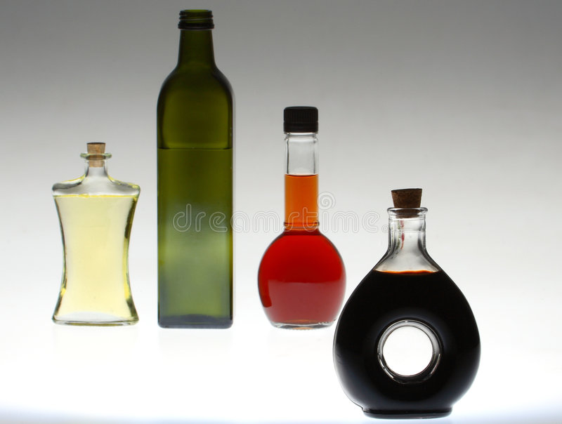 Mutliple ha colorato la bottiglia immagini stock libere da diritti