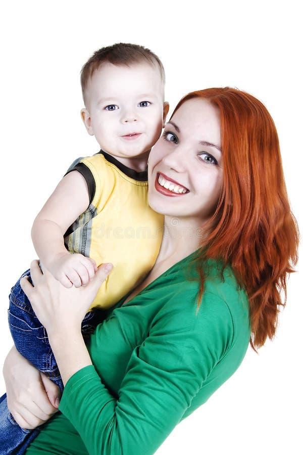 Mutter mit einem kleinen Sohn lizenzfreie stockbilder