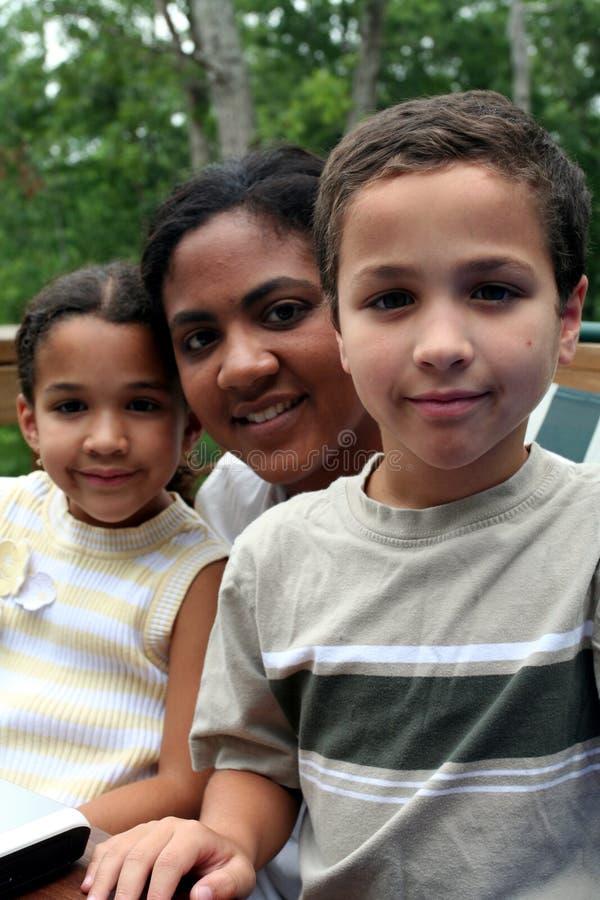 Mutter und Kinder stockfotos