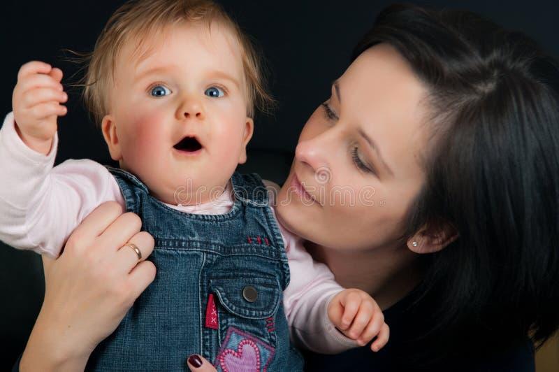 Mutter- und Schätzchentochter stockfotos