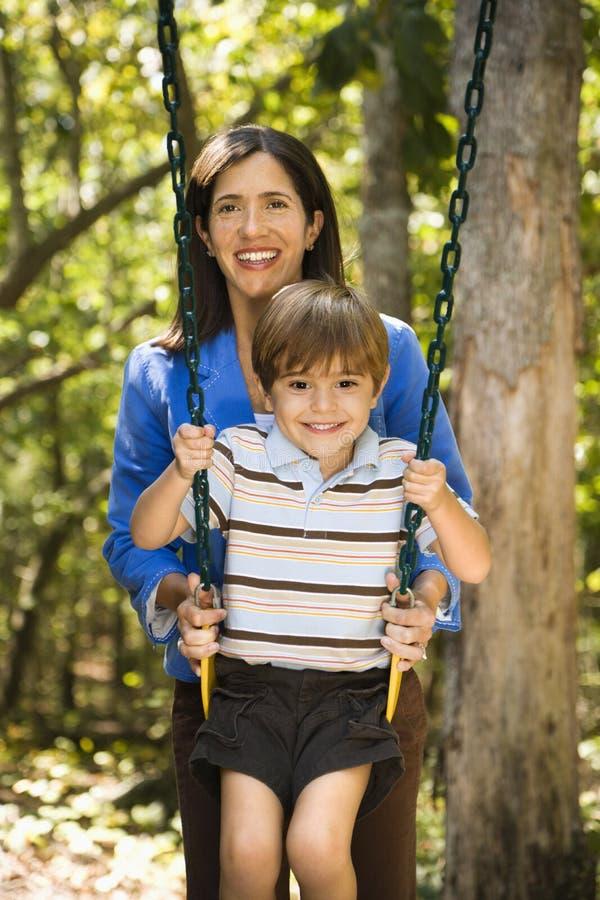 Mutter und Sohn. stockbild