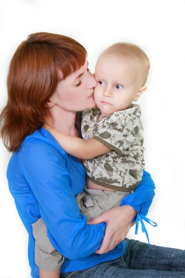 Mutter- und Sohnportrait lizenzfreies stockbild
