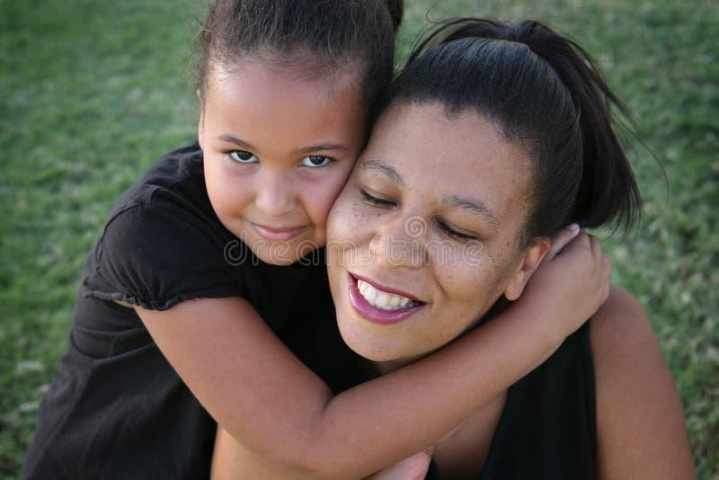 Mutter und Tochter lizenzfreies stockbild