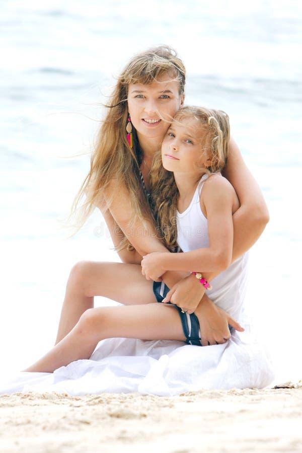 Sklave Von Mutter Und Tochter