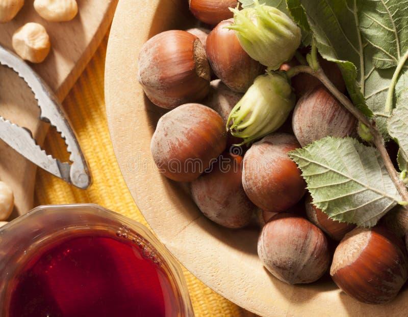 Muttern und Wein lizenzfreie stockfotos