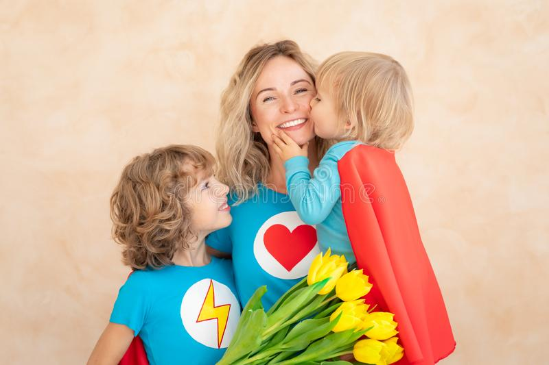 Muttertagfrühlings-Feiertagskonzept stockfotografie