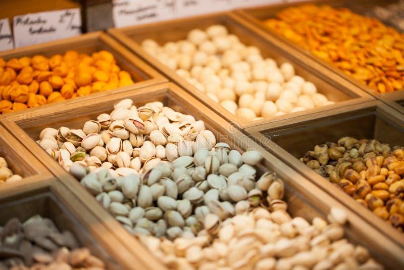 Download Muttrar På Den Asiatiska Marknaden Fotografering för Bildbyråer - Bild av baggies, full: 37347727