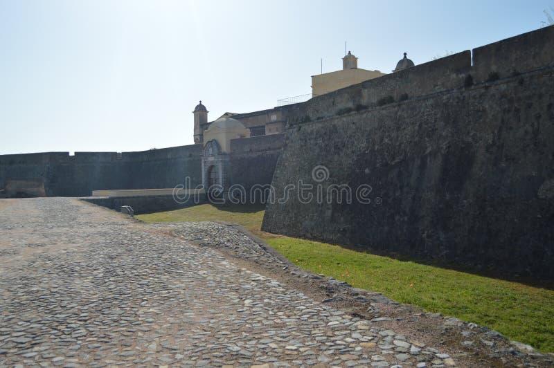 Muur en Ingang van het Fort van Onze Dame Of Grace In Elvas Aard, Architectuur, Geschiedenis, Straatfotografie 11 april, 2014 stock fotografie