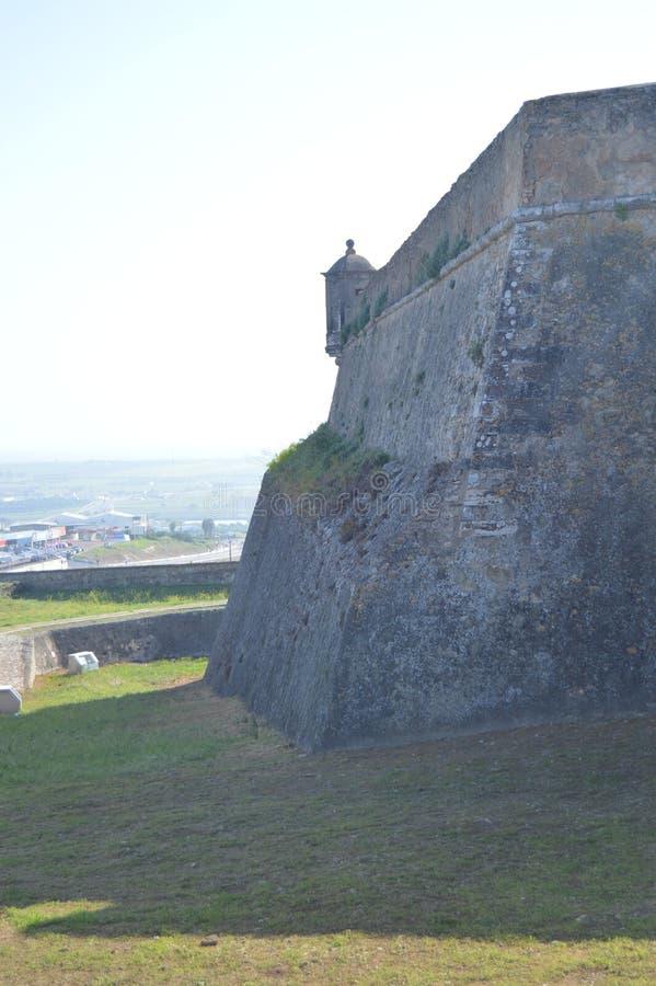 Muur en watchtower van het Fort van Onze Dame van Gunst in Elvas Aard, Architectuur, Geschiedenis, Straatfotografie 11 april, 201 stock foto