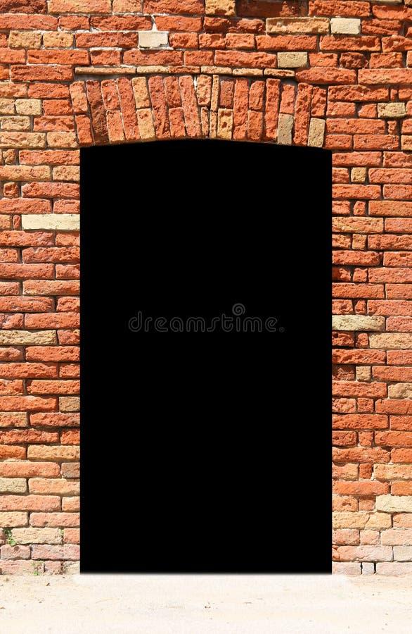 muur met een zwarte ingang aan onbekend dark royalty-vrije stock afbeelding