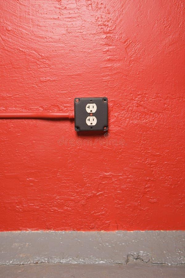 Muur met elektroafzet. royalty-vrije stock afbeeldingen