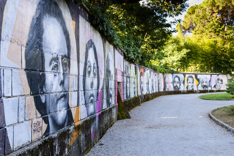 Muur van bekendheid in Angiolina-park, Opatija, Kroatië stock afbeeldingen