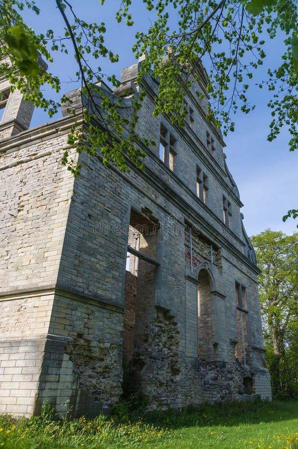 Muur van de geruïneerde Ungru-manor stock fotografie