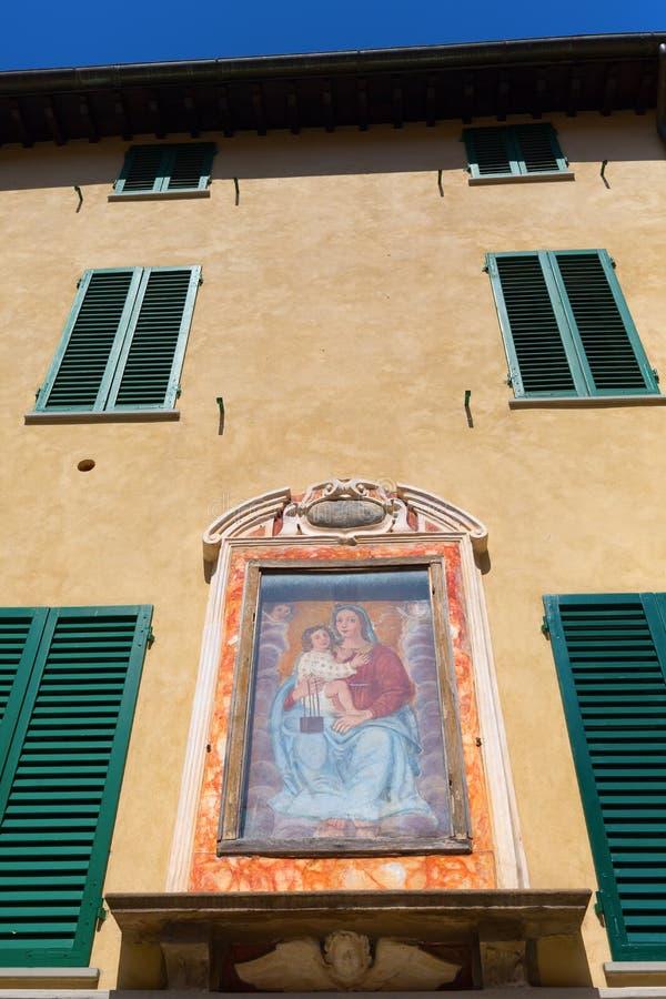 Muur van een historisch gebouw in Luca royalty-vrije stock fotografie
