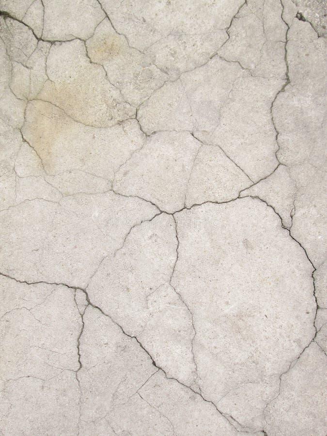 Muur van het Grunge de concrete cement met barst in de industriële bouw, groot voor uw ontwerp en textuurachtergrond royalty-vrije stock foto's