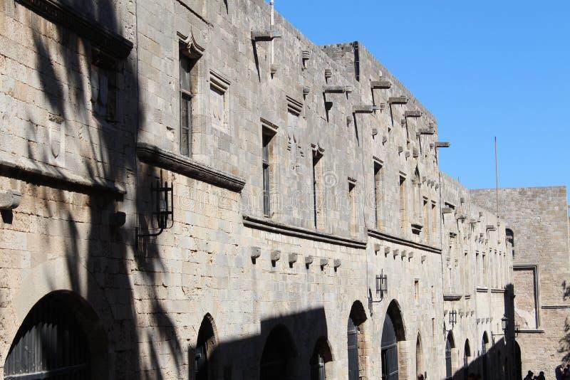 Muur van het oude kasteel van de Ridders van Malta stock afbeeldingen