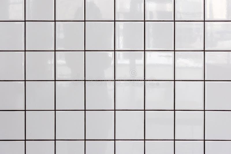 Muur van witte glanzende tegels royalty-vrije stock afbeelding