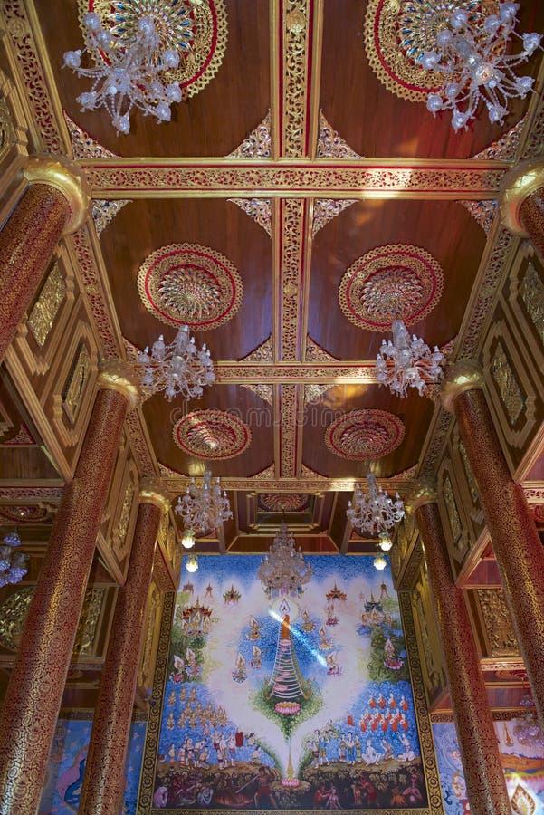 Muurschilderij en houten plafond van Wat Mani Phraison, Mae Sot, Tak-provincie, Thailand royalty-vrije stock foto