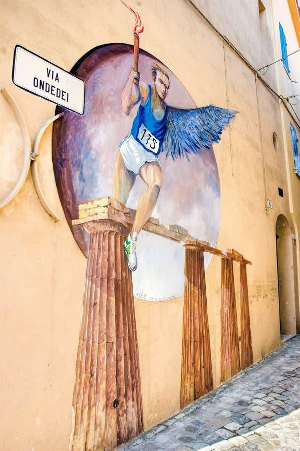 Muurschildering het Schilderen in Saludecio royalty-vrije stock foto's