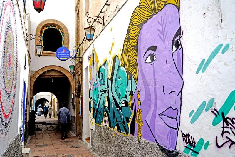 Muurschilderingen in de stegen van medina van Essaouira, Marokko royalty-vrije stock foto