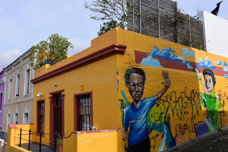 Muurschilderingen & Gekleurde Huizen, BO-Kaap, Cape Town, Zuid-Afrika stock foto's