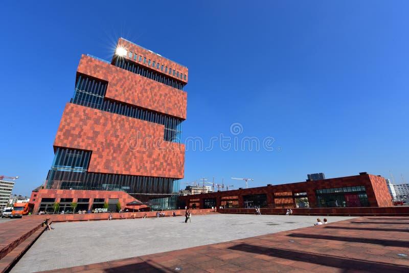 Muzealny aan De Stroom lokalizować wzdłuż rzecznego Scheldt jest 60m wysokim budynkiem projektującym Neutelings Riedijk architekt zdjęcia stock