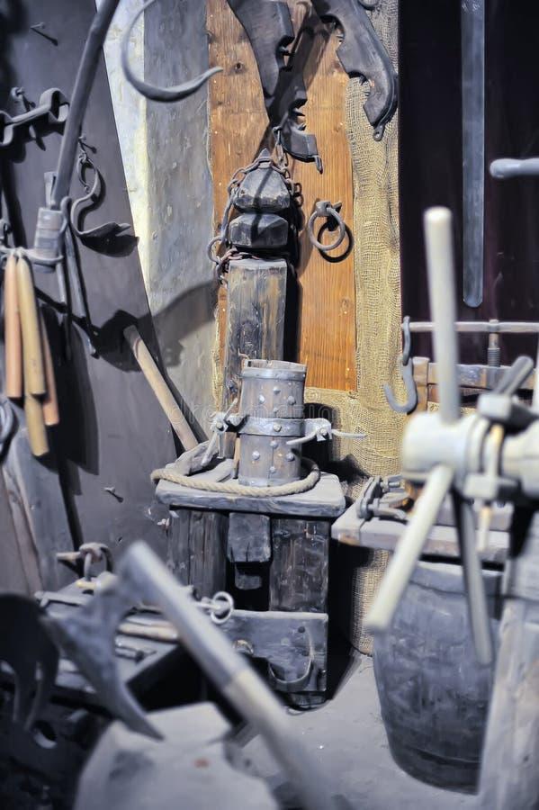 Muzeum Średniowieczni tortura instrumenty zdjęcie royalty free
