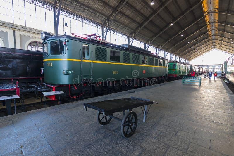 Muzeum pociągu Madryt ekspozycja kolejowego wyposażenia usługa wyposażenie i historia rozwój zdjęcia stock