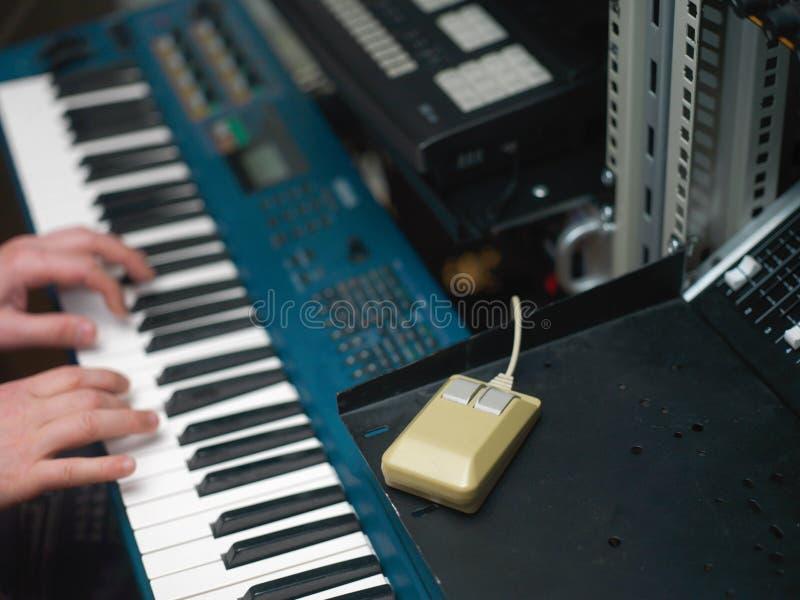 Muziek en computermuis stock foto's