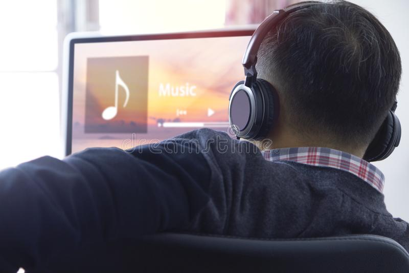 Muziek het stromen vermaak stock afbeelding
