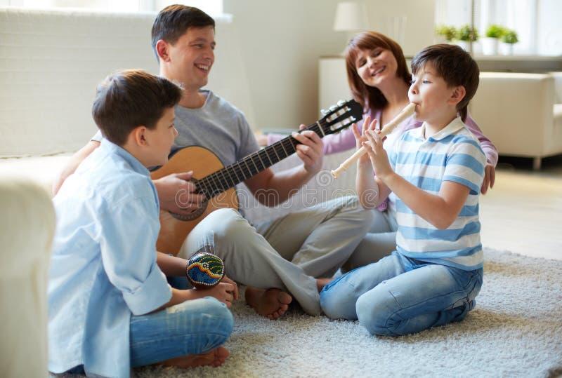 Muzikale familie stock foto