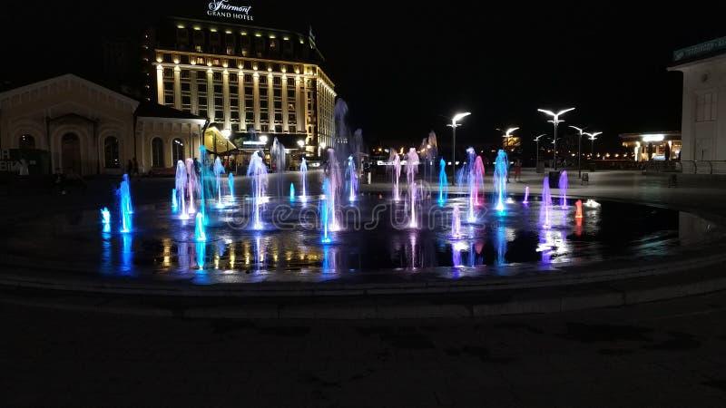 Muzikale fontein in Kiev stock foto's