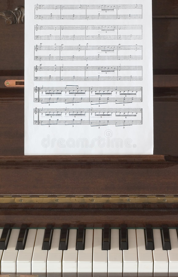 Muzikale Score En Piano Royalty-vrije Stock Foto