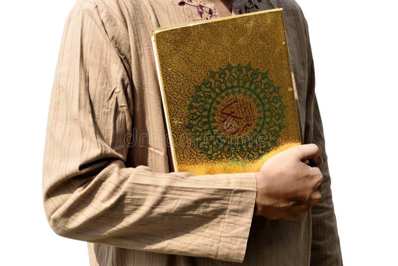 Muzułmański mężczyzna mienia koran zdjęcie stock