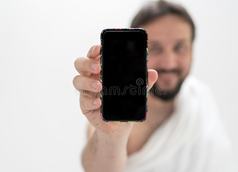 Muzułmański męski pielgrzym z telefonem fotografia stock