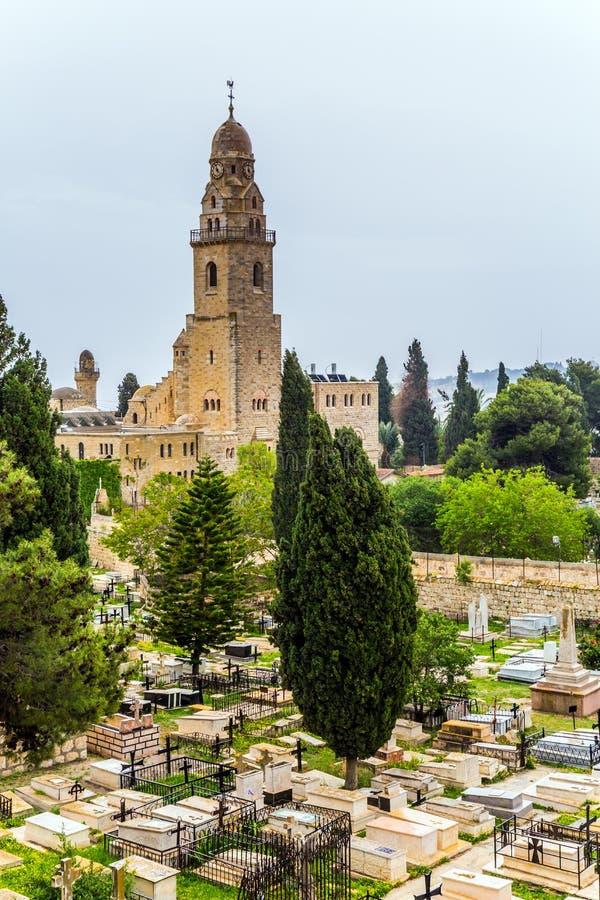 Muzułmański meczet i antyczny cmentarz zdjęcia stock