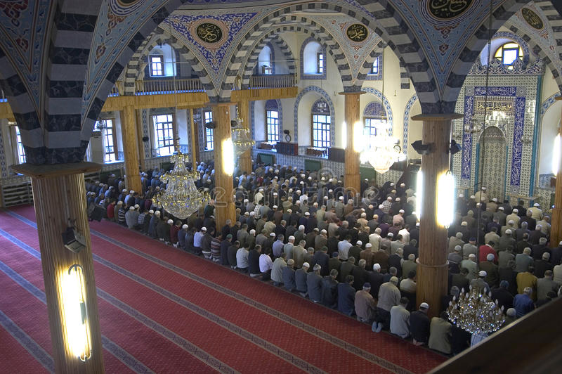 Muzułmanie w meczecie dla modlitwy byli czyści fotografia stock